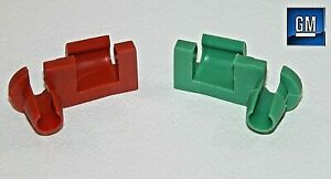 99-07 Silverado Sierra Tail Gate Red And Green Handle Rod Clips   NEW GM PAIR