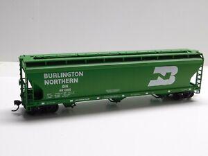 HO Scale - Accurail - Burlington Northern Center Flow Hopper Train Car #481265