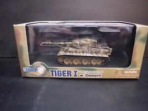 Dragon Armor-2006-Tiger 1 w/Zimmerit-Early Production-Germany 1945