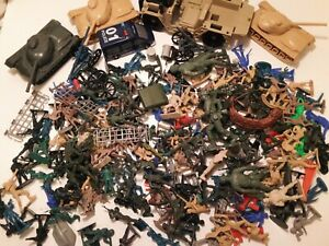 HUGE Lot Over 250 Assorted Plastic Army Men Green Tan Tanks Cowboys Accessories