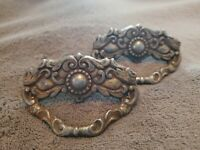 ANTIQUE PAIR OF ORNATE VICTORIAN CAST METAL DRAWER PULLS