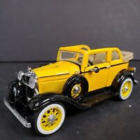 National Motor Museum Mint Golden Age Of Ford 1932 V-8 Convertible Sedan 1/32