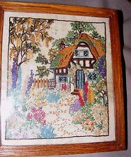 Vintage 1952 Mano Bordadas, Bordados imagen Stumpwork Cottage Garden