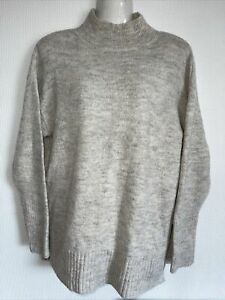 Lovely Jumper By George. Size 6/8. Ex condition