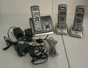 Uniden 6.0 Cordless Phone w/ Digital Answering System 3 Handsets DECT2080-3