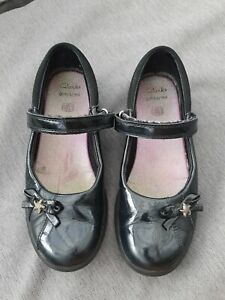 🌈 CLARKS Girls Black Patent Leather Mary Jane School Shoes Starfish Bow 2E WIDE