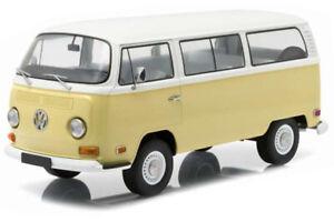 VW Bus T2B (Artisan Collection 1971) Diecast Model Car