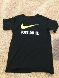 Short Sleeved Nike Boys Shirt - Size X Large
