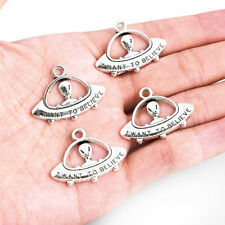 10X  I Want To Believe Alien in UFO Zinc Alloy Charm Pendant Tibetan Silver Bead