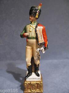 Soldato Porcellana di Capodimonte,Ufficiale USSARO By Merli. Collez.Napoleonica