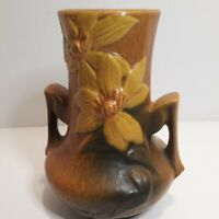 Vintage Roseville Clematis USA 106-7 Double Handled Vase Pottery Brown
