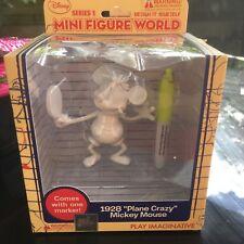 "DISNEY MINI FIGURE WORLD - MICKEY MOUSE 1928 ""PLANE CRAZY"""