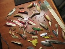 VINTAGE FISHING LURES GROUP