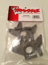Traxxas E-Maxx / T-Maxx Left / Right Rear Gray Bulkhead 4929R