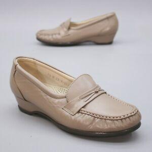 SAS Ladies 7.5 M Easier Taupe Leather Wedge Tripad Comfort MOC Loafers USA
