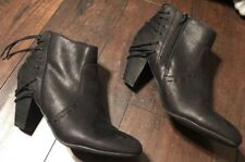 REPORT Black Leather Ankle Boots Zip Up Women��s Sz 8.5