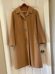 Women's Vintage 3 Button Modish of Oregon Camel Hair Coat from 1960s/70s