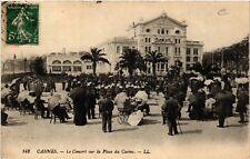 CPA  Cannes -  Le Concert sur la Place du Casino   (513816)