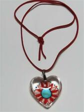 CG2639...HANDPAINTED FLOWER - GLASS HEART ON SUEDE CORD - FREE UK P&P