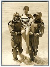 Marie Laforêt à Cannes  Vintage silver print Tirage argentique  13x18  Cir