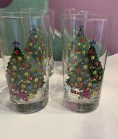 Set of 4 Action Christmas Vintage Glass Tumblers Christmas Tree