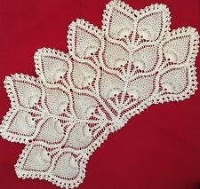 "White 10X23"" Leaf Crochet Doilie"