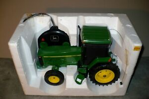 1/16 8200 JOHN DEERE Toy Radio Control Tractor Ertl