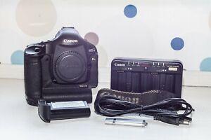 Cámara réflex digital CANON EOS 1Ds Mark III + cargador + batería + extras