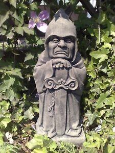 Skulptur Wächter Torhüter Mystisch Gotik Kunst Sandstein Antik Look H 44 GRAU