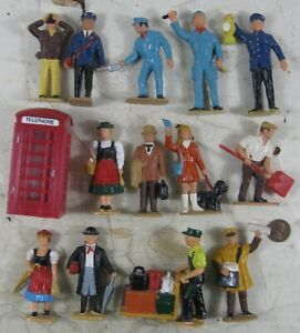 Vintage Hard Plastic O Gauge Lionel Train Station People