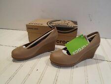 Crocs A-Leigh Closed Toe Wedge Women's size 5 - Brand New Buff/Walnut