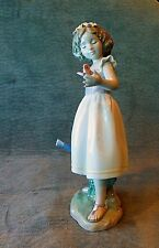 Lladro Privilege 2010 Fig. 8520, Good Morning Butterfly, Girl W/ Watering Can