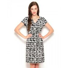 NWT - JONES NEW YORK 'BELTED ABSTRACT / CAP-SLEEVED' Black/White DRESS SIZE: 4