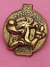PIN'S PIF 92 ANNEE BONHEUR belle qualité