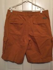 COLUMBIA SIZE 36 OUTDOOR SHORTS