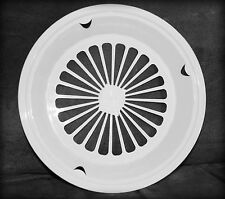 4  WHITE 3-TAB STYLE PAPER PLATE HOLDERS, PICNIC, BBQ,  PARTIES, & CAMPING