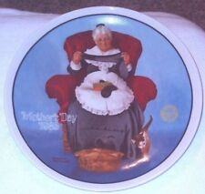 Decorative Plate 1985 Motheris Day Mending Time by Norman Rockwell Knowles 5937C