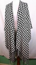 CAPELLI NEW YORK WOMEN RUANA WRAP PONCHO CAPE SHAWL BLACK GEOMETRIC W TASSELS