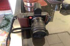 Leica T mit Artisan Halbcover und Tragegurt