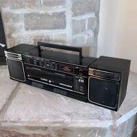 Working Crown Japan SZ-2150 Boombox Cassette Recorder Radio Detachable Speakers