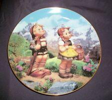 "MJ Hummel Plate ""Little Explorers"" Little Companions, Danbury Mint - 1990"