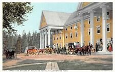 # M663    YELLOWSTONE NATIONAL PARK  POSTCARD,  LAKE   HOTEL