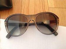 BNIB 100% auth DSQUARED2 Unisex sunglasses with Logo. RRP £340.00 432c29e2c863
