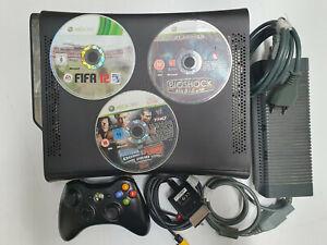 Console Xbox 360 Arcade 120 Gb hd completa di cavi, 1 joypad, 3 giochi