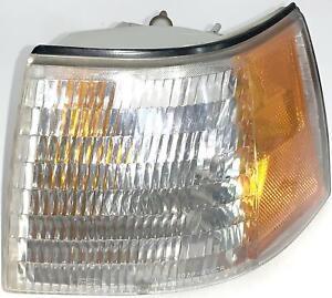 87 88 Mercury Cougar—OEM Left Front Corner Signal Lamp