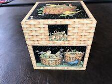 Birds & Baskets Storage Box  Bob's