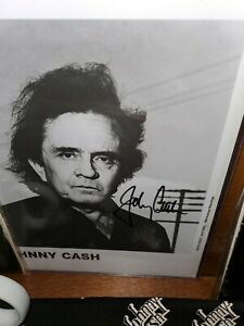 Johnny Cash Signed 8x10 Photo. American Recordings!