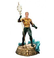 Sideshow DC Comics Statue Premium Format Aquaman