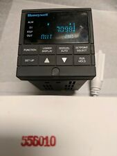 Honeywell DC300K-EA0-11-0A00 UDC 3000 used