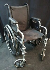 Invacare Tracer SX5 Wheelchair / Used / Arm Rests / O2 Tank Holder / Black